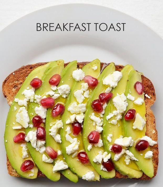 1. Ломтики авокадо + раскрошенная фета + зерна граната + оливковое масло