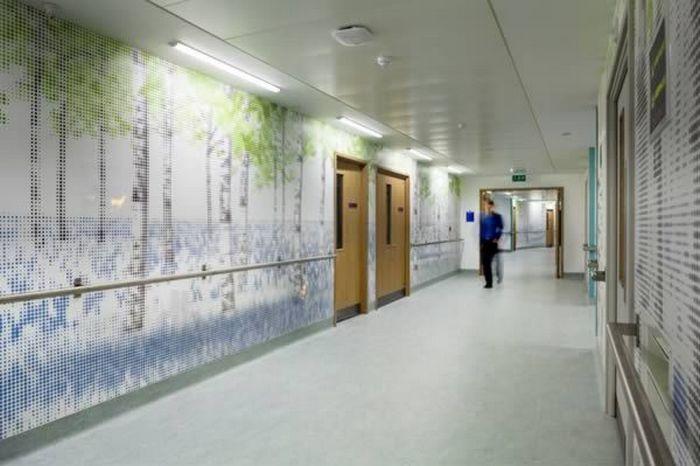 5. Интерактивный дисплей на стенах в детской больнице в Лондоне