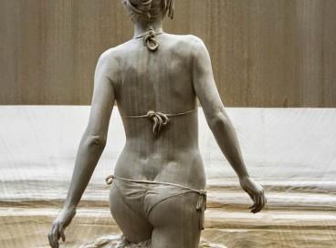 Буратино даже и не снилось: невозможно реалистичные древесные статуи человека