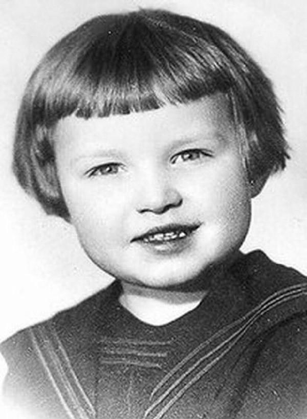 Патриарх Кирилл (в миру Владимир Гундяев)