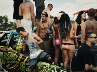 Веселей, рабочий класс: как отдыхают простые американцы